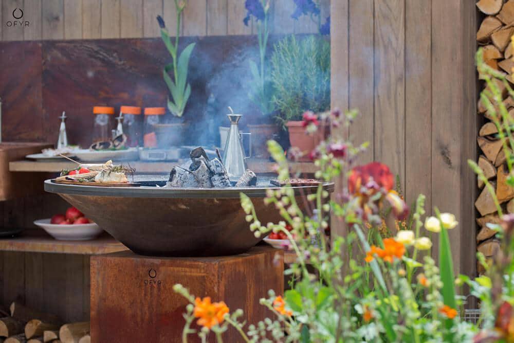 przepis na letnią imprezę inspiracje grill ogrodowy ofyr  elegancki grill ogrodowy ze stali kortenowskiej