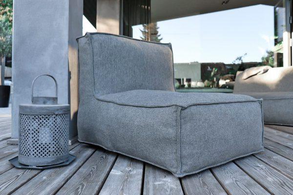 C-2 Edge nowoczesny zestaw ogrodowy z tkaniny TroisPommes Home luksusowe meble ogrodowe elementy zestawu fotel szezlong szwy zewnętrzne ciemny szary melanż