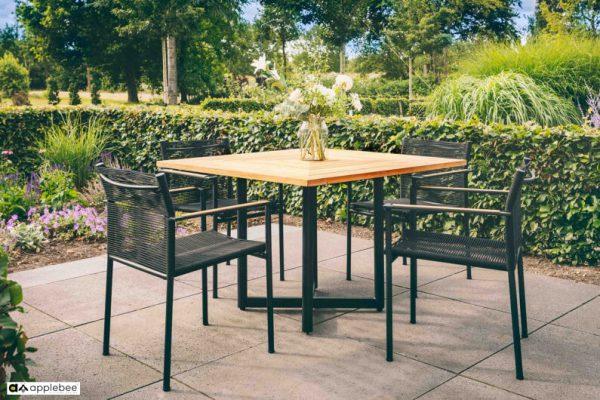 Jakarta zestaw stołowy do ogrodu dla 4 osób - stół kwadratowy + 4 krzesła ogrodowe Jakarta Black (czarne)