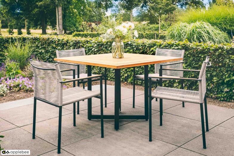 Jakarta zestaw stołowy do ogrodu dla 4 osób - stół kwadratowy + 4 krzesła ogrodowe Jakarta Grey (szare)