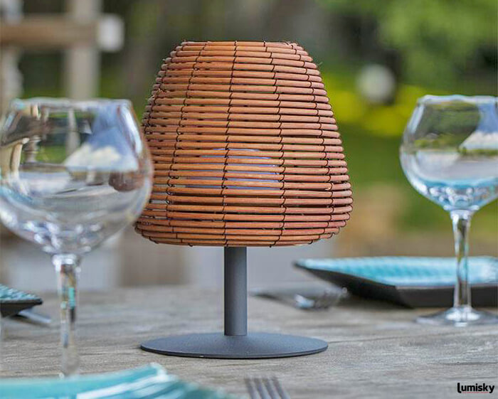 Boheme bezprzewodowa lampa stołowa ogrodowa LED z kloszem technorattanowym | Lumisky