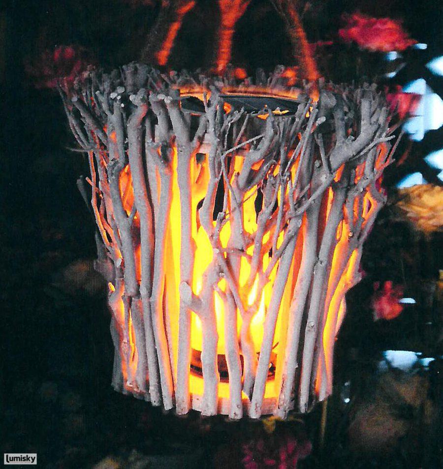 Sam lampion ogrodowy lampa solarna LED z drewna Lumisky