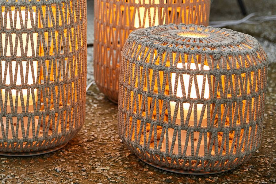 Durum lampa ogrodowa LED z grubej liny jasnoszara pleciona Twoja Siesta luksusowe meble ogrodowe