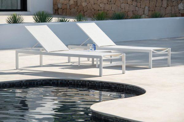 Sylt nowoczesny leżak ogrodowy aluminiowy biały | Jati & Kebon