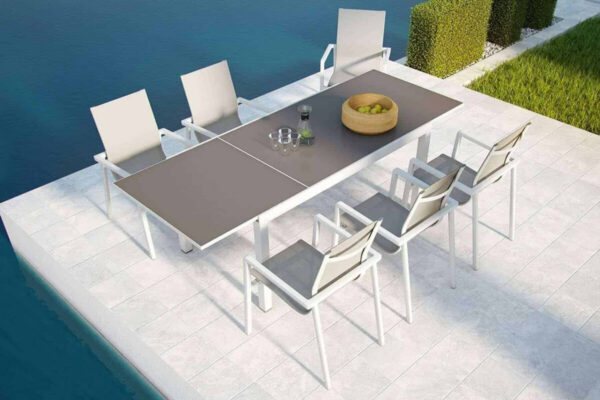 Toledo stół ogrodowy rozkładany z aluminium biały blat szklany krzesła ogrodowe Zumm