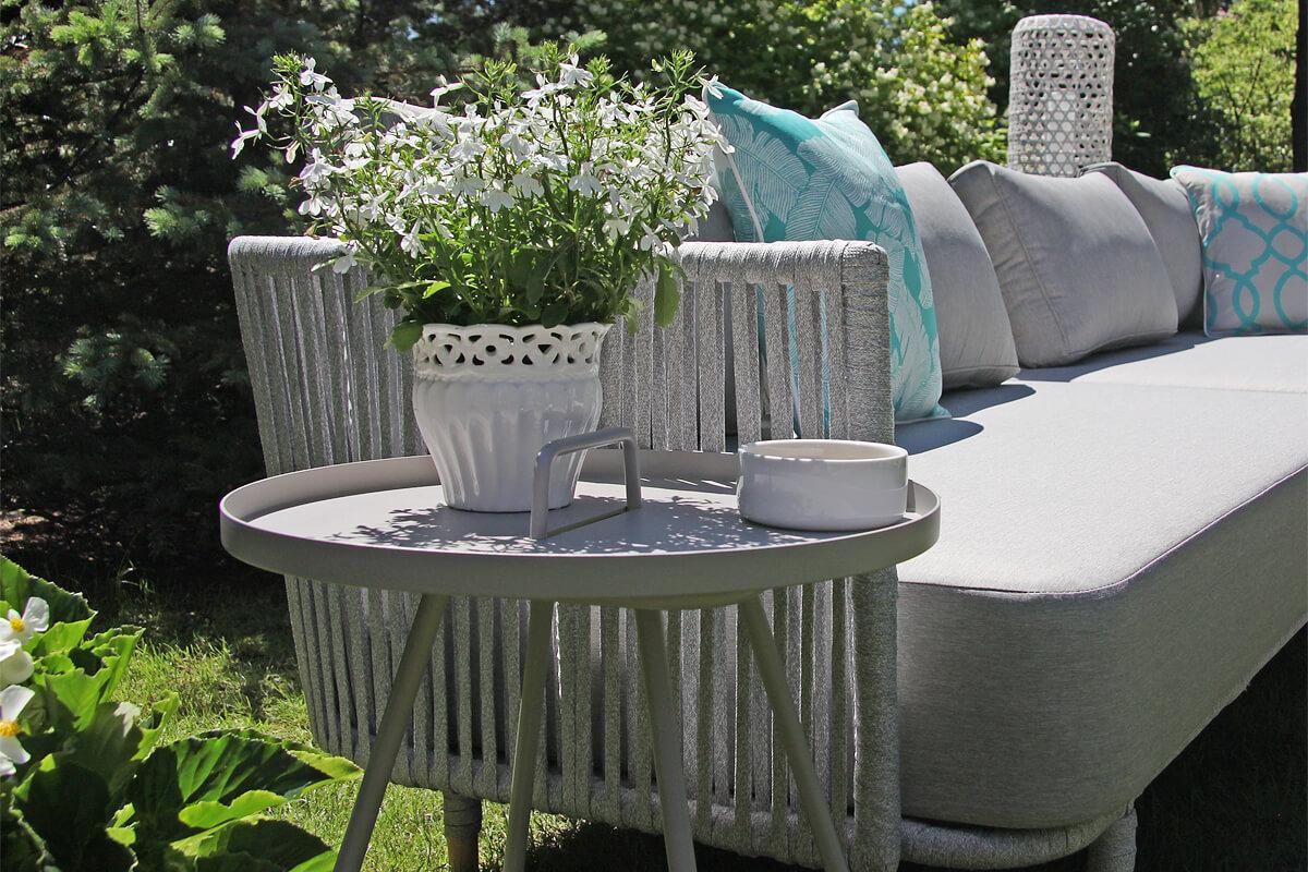 Cala szary stolik ogrodowy z aluminium stolik okrągły rozmiar M jasnoszary Twojasiesta meble ogrodowe aluminium