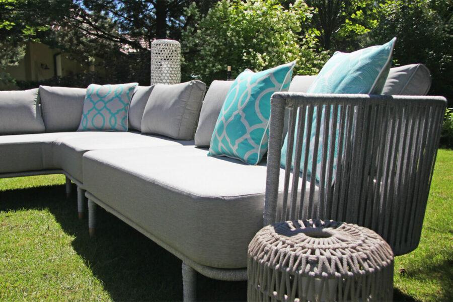 Coma Club meble ogrodowe wypoczynkowe sofa ogrodowa 2 osobowa podłokietnik jasnoszara lina aluminium Twojasiesta luksusowe meble ogrodowe