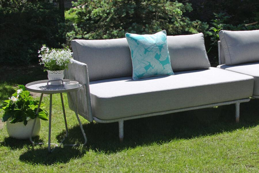 Coma Club meble ogrodowe wypoczynkowe sofa ogrodowa podwójna prawy podłokietnik jasnoszara lina aluminium poduszka Doble turkusowe pióra Twojasiesta luksusowe meble ogrodowe