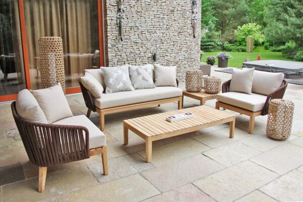 Manacor meble ogrodowe komplet wypoczynkowy kanapa podwójna fotele stoliki teak lampy ogrodowe z technorattanu orzechowego wysoka Silo i Spelt Twojasiesta luksusowe meble tarasowe
