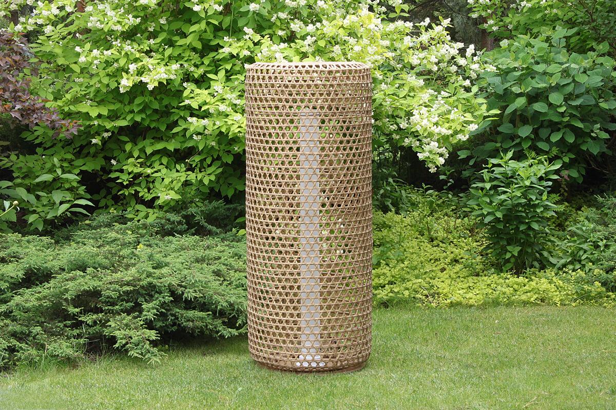 Silo wysoka lampa ogrodowa LED technorattanowa kolor orzechowy rozmiar L lampy ogrodowe stojące ledowe 130 cm Twoja Siesta meble technorattan