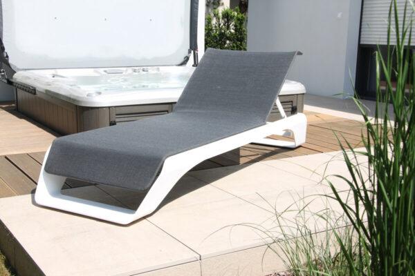 Onda Pininfarina luksusowy leżak ogrodowy białe aluminium tkanina batyline eden Higold luksusowe meble ogrodowe
